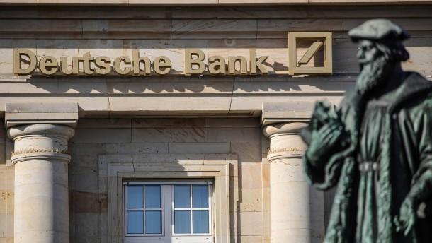 Deutsche Bank kehrt zurück in die schwarzen Zahlen