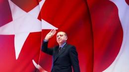 """""""Die Türkei ist kurz davor, sich in eine echte Autokratie zu verwandeln"""""""