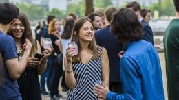 Gin-Tonic-Fans trinken Aktionäre in Laune