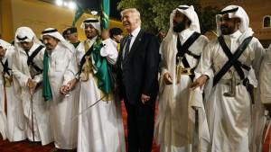 Demokraten fordern Offenlegung von Trumps Geschäften mit Saudis