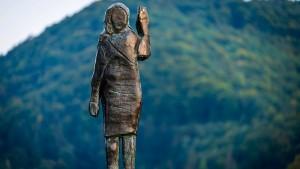 Neue Statue von Melania Trump aufgestellt