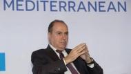 Israels Innenminister Silvan Schalom legt seine Ämter nieder.
