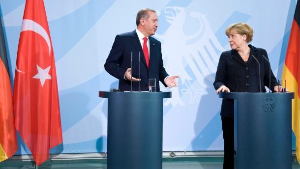 Recep Tyyip Erdogan - Der türkische Ministerpräsident besucht Bundeskanzlerin Angela Merkel im Bundeskanzleramt in Berlin