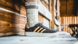 Darf man Sneaker zur Lederhosen tragen?