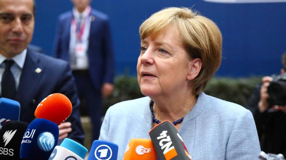 Katalonien-Krise: Angela Merkel steht hinter Regierung in Madrid