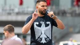 Attila Hildmann offenbar per Haftbefehl gesucht