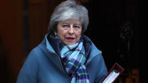 """May will in Brüssel für """"pragmatische Lösung"""" kämpfen"""