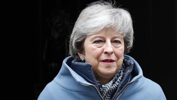 Theresa May erhöht Druck auf EU