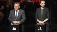 Europa-Freunde: Premierminister Lars Rasmussen und die Vorsitzende der Sozialdemokraten Mette Frederiksen bei einer TV-Debatte über die EU-Abstimmung