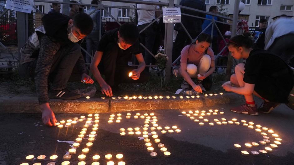 Gedenken an die Opfer des Schusswaffenangriffs auf die Schule Nummer 175