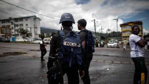 Separatisten entführen rund 80 Schüler