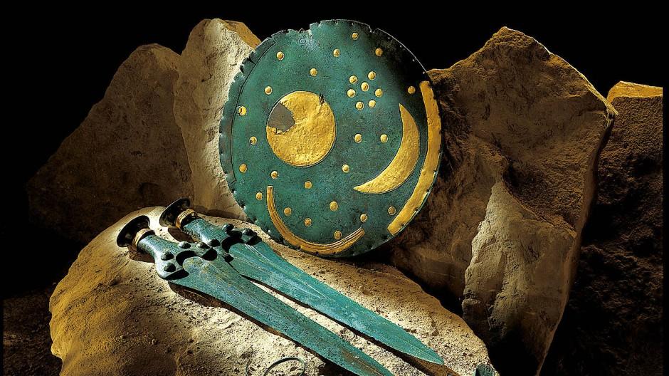 Zwei Kilo Bronze, dreißig Gramm Gold: die Himmelsscheibe von Nebra
