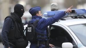 Polizei schießt Bewaffneten in Gent nieder