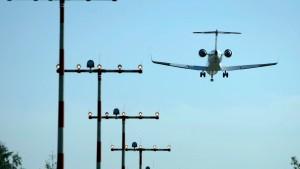 EU setzt Klimaschutzabgabe auf Flüge aus