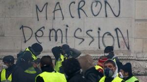 Französisches Parlament billigt Macrons Sozialpaket