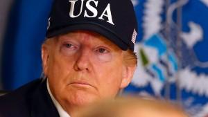"""Trump warnt vor Hurrikan """"Dorian"""""""
