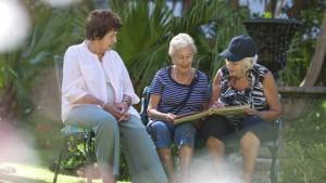 Pensionärinnen warten auf mehr Mütterrente