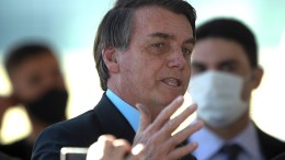 Bolsonaro schießt abermals gegen Corona-Maßnahmen