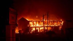Mehrere Personen sterben bei Waldbränden