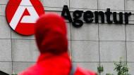 Die Agentur für Arbeit in Köln: Der Zugang zum Arbeitsmarkt gestaltet sich für Geflüchtete oft schwierig.