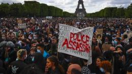 Ermittlung gegen rassistische Polizisten in Frankreich