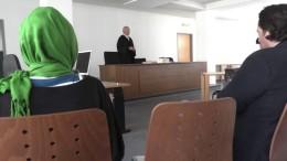 Kein Kopftuch im Unterricht