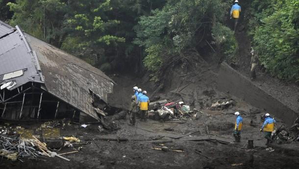 Tote nach Erdrutsch in Japan