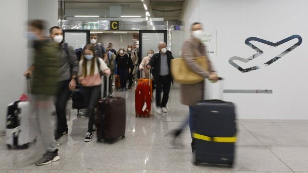 Tausende fliegen trotz Corona nach Mallorca