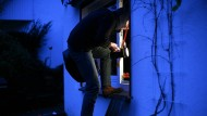 Nicht reinlassen: Die Sicherung der Außenhaut ist das Wichtigste