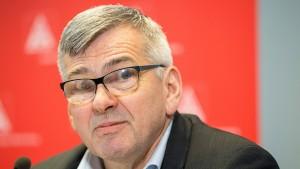 Jörg Hofmann bleibt IG-Metall-Chef