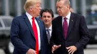 Geiselnahmen als außenpolitisches Mittel: Recep Tayyip Erdogan, Donald Trump beim Nato-Gipfel am 11. Juli in Brüssel