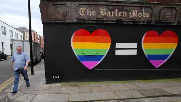 Iren stimmen über Homoehe ab