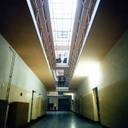 Strafvollzugsanstalt in Brandenburg an der Havel 1989. Dort protestierten Häftlinge wenige Wochen nach dem Mauerfall gegen die katastrophalen Bedingungen.