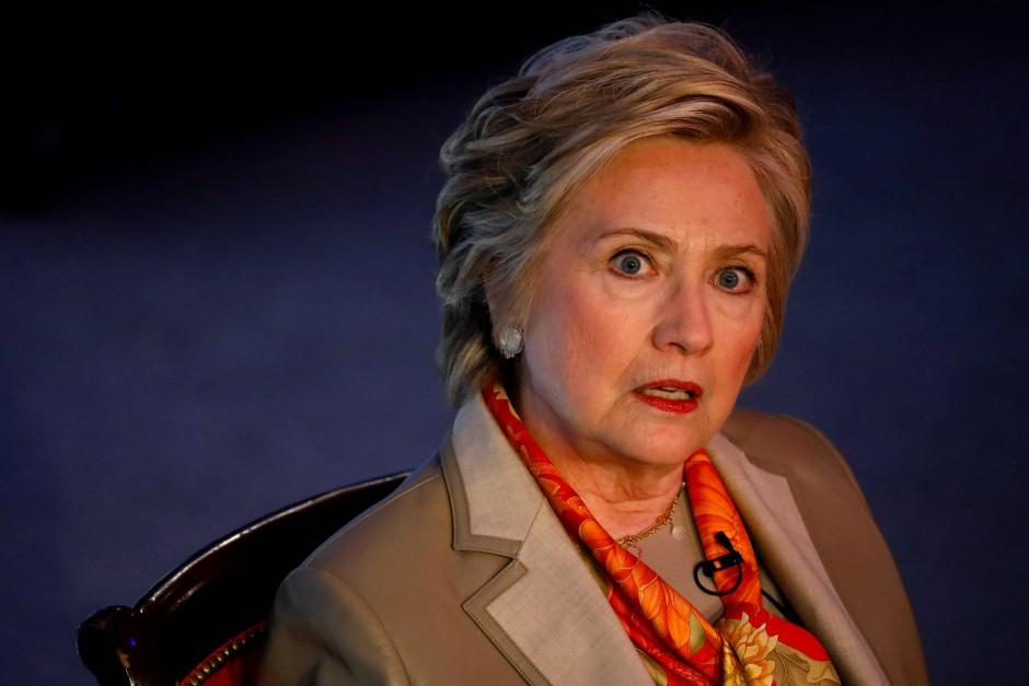 Die ehemalige amerikanische Präsidentschaftskandidatin Hillary Clinton macht das FBI mitverantwortlich an ihrer Niederlage gegen Donald Trump.
