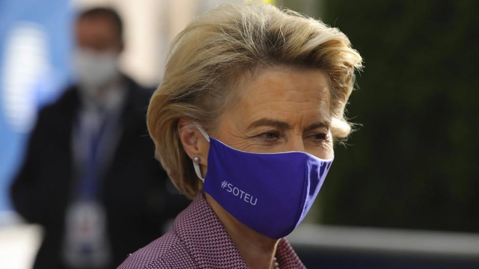 Die Popularität von EU-Kommissionspräsidentin sank während der Pandemie, das Grundvertrauen in die Union bliebt darüber laut Demoskopen erhalten