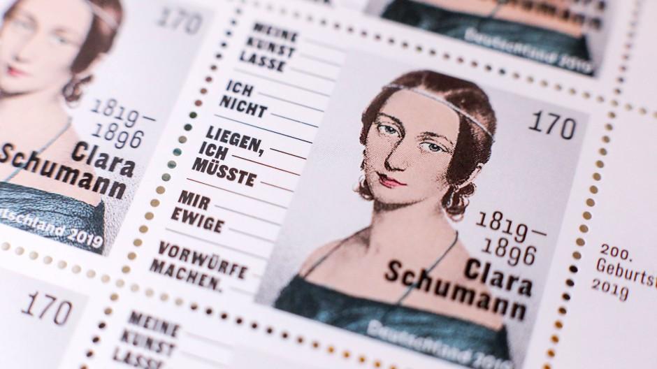 Die Sonderbriefmarke zum 200. Geburtstag von Clara Schumann