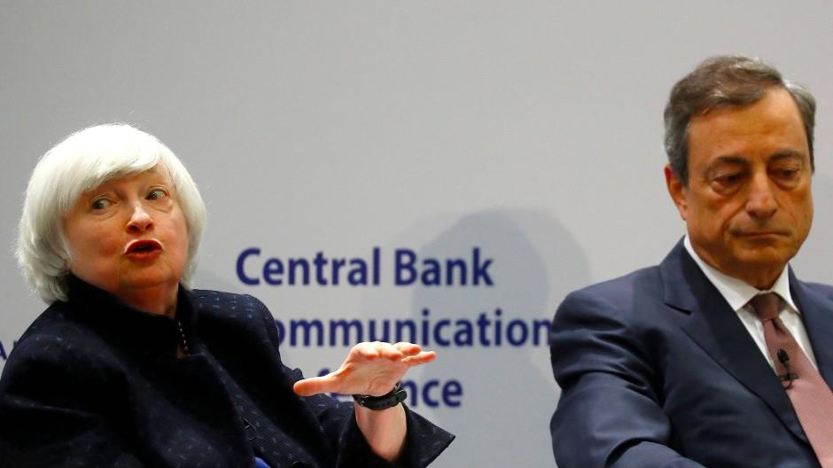 Nahe bei zwei Prozent soll die Inflation im Euroraum liegen. Mit niedrigen Zinsen hat EZB-Präsident Mario Draghi das Ziel bisher nicht erreicht.
