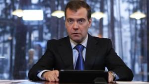 Medwedjew trifft Vertreter der Opposition