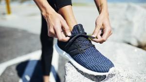 Der Adidas-Schuh in der Endlosschleife
