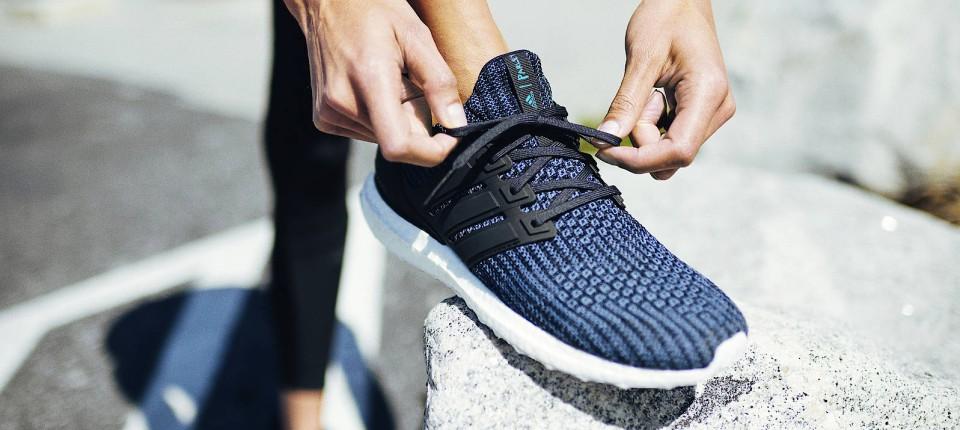 Wie Adidas aus Plastik Müll wieder Schuhe machen will