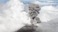 Aschewolke nach Vulkanausbruch