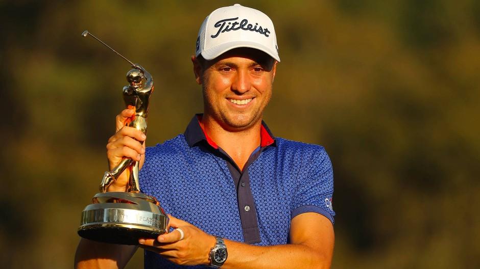 Ohne Sponsoren, aber mit einem Lächeln auf den Lippen: Justin Thomas nach seinem Erfolg bei den Players Championships
