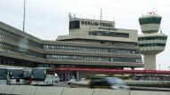 Koffer löst am Flughafen Berlin-Tegel Chaos aus