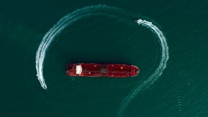 GroKo-Politiker uneins über Marineeinsatz