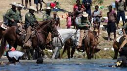 US-Grenzschützer verfolgen Geflüchtete auf Pferden