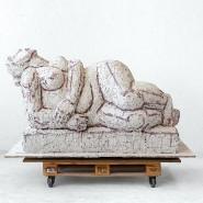 """Die """"Unbesiegte"""": Gipsmodell der Statue im Atelier der Künstlerin"""