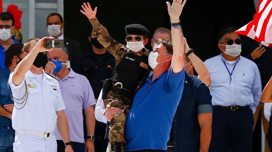 Bolsonaro zeigt sich mit Lockdown-Gegnern