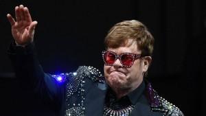 Elton John bricht unter Tränen Konzert in Auckland ab