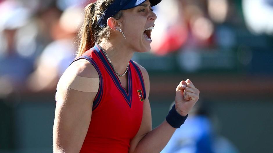 Die Spanierin Paula Badosa besiegte Victoria Azarenka aus Belarus im Damen-Finale des BNP Paribas Open im Indian Wells Tennis Garden.