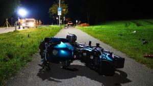 Motorradfahrer tötet Jugendliche und Mutter